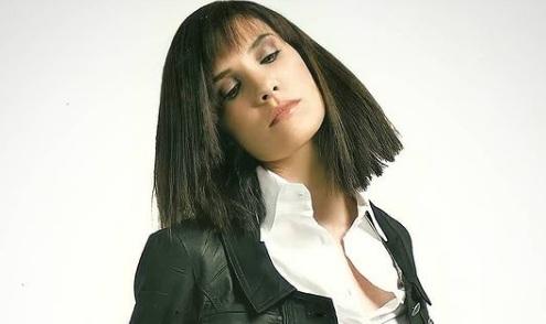 Unnoticed Poses of Daniela Ruah Beside NCIS Los Angeles Series