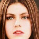Unseen Elegant Pictures Of Alexandra Daddario