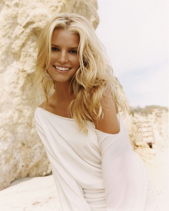 7 Unnoticed Pictures & Facts Which Resulted In Jessica Simpson And Nick Lachey Divorce