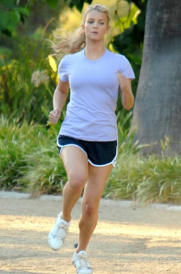 7 Unchecked Jessica Simpson Images Which Makes Her A Fitness Warrior