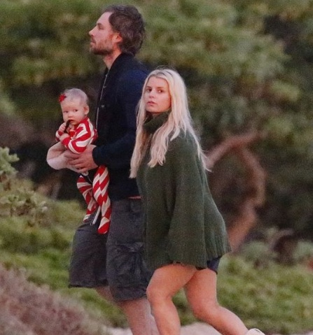 Jessica Simpson Disclosed 7 Facts & Pictures On Married Life