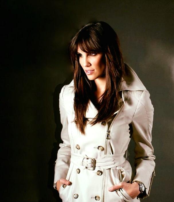 Rare Stylish Photos Of Daniela Ruah